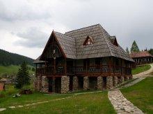 Accommodation Izvoru Berheciului, Traditional skanzen pension