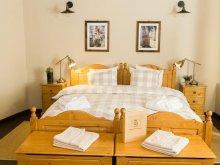 Accommodation Iacobeni, Ratiu Guesthouse