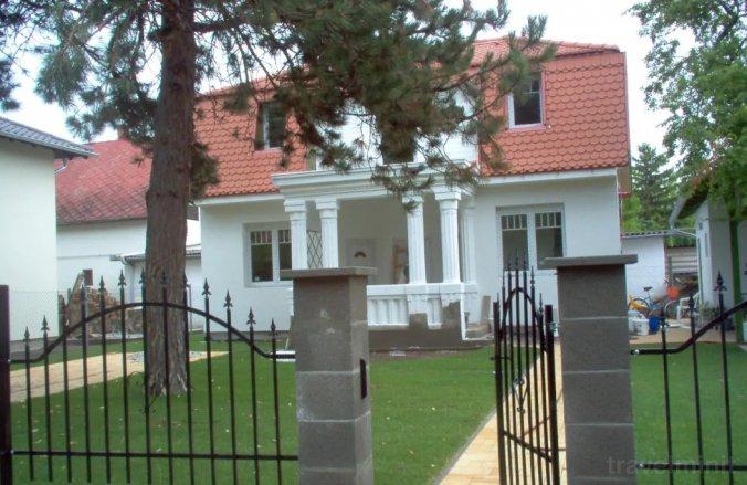 Rebeka Villa Zamárdi