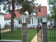 Vilă Balatonszárszó, Vila Rebeka