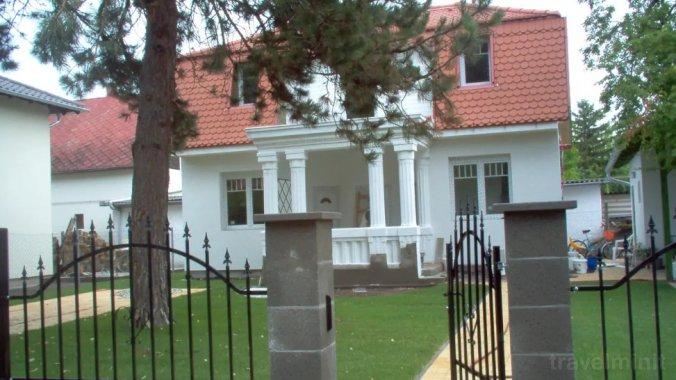 Vila Rebeka Zamárdi