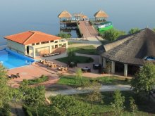 Accommodation Mamaia, Puflene Resort