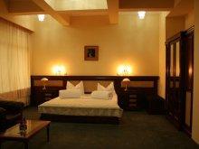 Hotel Rugetu (Slătioara), Hotel President