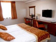 Hotel Berkenye, Actor Hotel