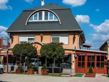 Accommodation Győrújbarát, Aranypatkó Inn