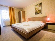Pachet standard Transilvania, Complex Turistic Max International