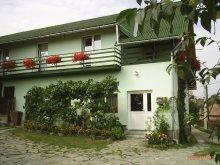 Travelminit accommodations, Dombonjó Guesthouse