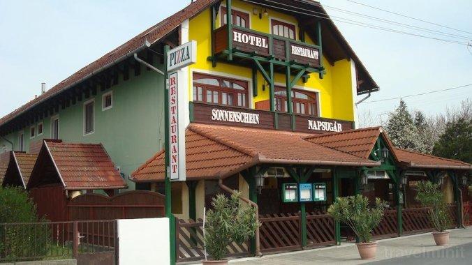 Napsugár Hotel Balatonmáriafürdő