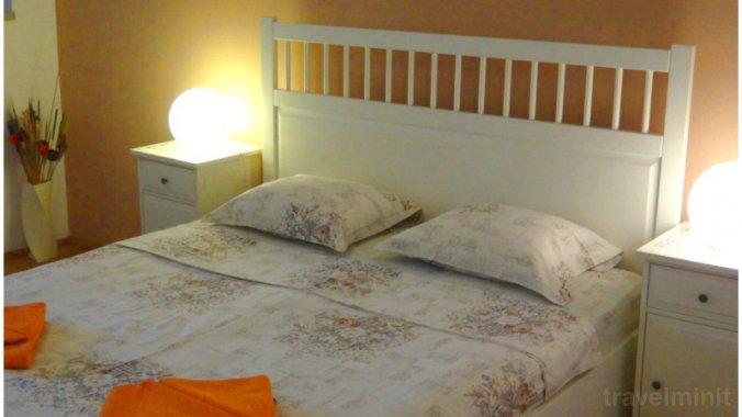White Studio Apartment Bucharest