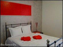 Apartment Stâlpu, Red & Black Studio Apartment
