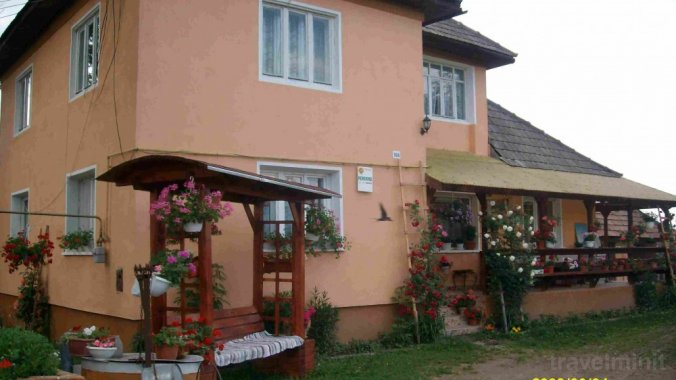 Jutka Guesthouse Coltău