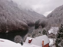 Cazare Măguri-Răcătău, Cabana Tarnița 2