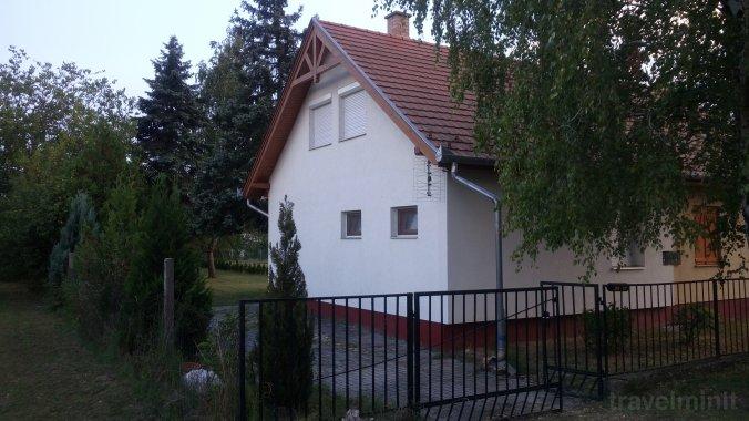 Casa de oaspeți Nefelejcs-el Balatonmáriafürdő
