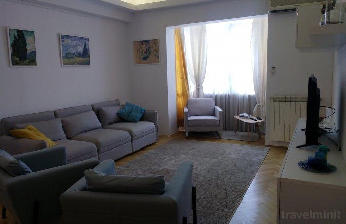 Black & White Apartment Bucharest