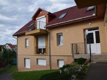 Accommodation Szépasszony valley, Zita Apartment