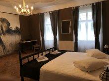 Hotel Gyulafehérvár (Alba Iulia), Poet Pastior Residence
