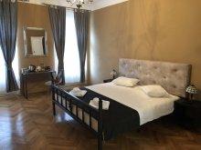 Hotel Ștrandul cu Apă Sărata Ocnița, Poet Pastior Residence