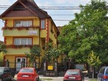 Accommodation Botiz, Cremona B&B