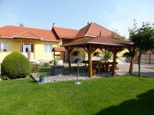 Cazare Kisnána, Pensiune și Apartament Napfény