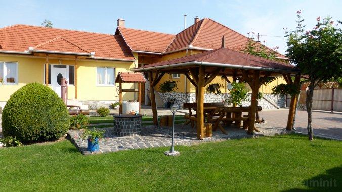Napfény Apartment and Guesthouse Egerszalók