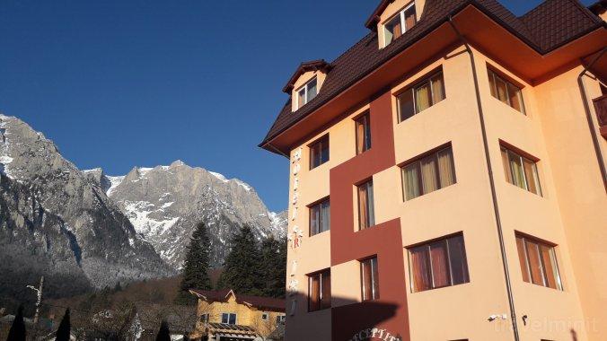 Hotel IRI Bușteni