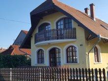 Nyaraló Völcsej, MA-11: Strandközeli apartman 4-5 főre Balatonmáriafürdőn 300 m-re a Balatontól