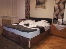 Cazare Liszó, Apartament Heni