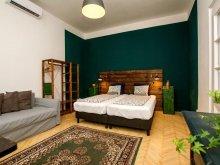Accommodation Páty, Hedonist Lodge Apartments