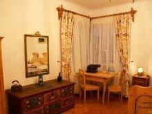 Apartament Magheruș Băi, Casa Szabo