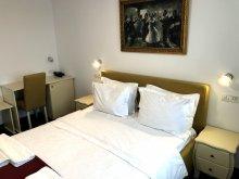 Apartman Pecineaga, Agora Hotel