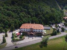 Hotel Tiszaszalka, Hotel Hunor