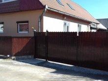 Cazare Dănești, Casa de oaspeți Csíkcsicsói