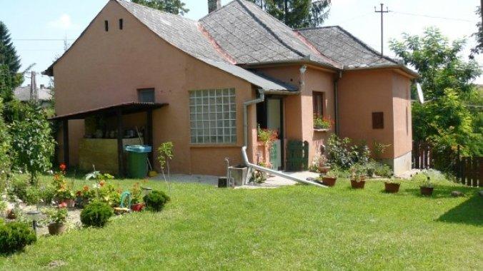 Ripl Guesthouse Szenna
