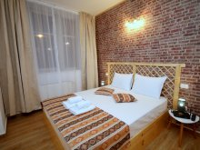 Accommodation Cuveșdia, Rustic Apartment