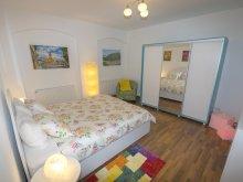 Accommodation Corund, Ava`s Home Apartment