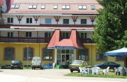 Hotel Tărcaia, Hotel Iadolina