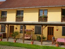 Accommodation Molvány, Handó Guesthouse