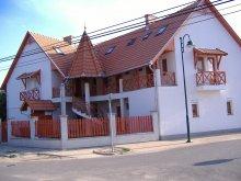 Accommodation Gyula, Virág Apartment