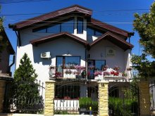 Villa Pietreni, Karol Pension