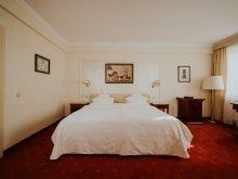 Apartment Mândruloc, La Residenza Villa