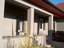 Apartament Tiszavárkony, Casa de oaspeți Tornácos