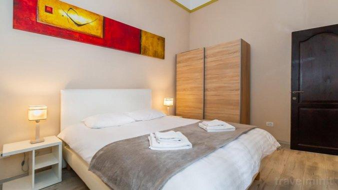 Courtyard Apartman - Select City Center Apartments Brassó