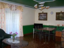 Cazare Tiszatenyő, Casa de Vacanță Familială Nyúlzug