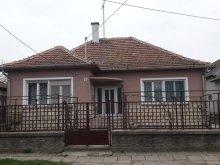 Apartament Csabaszabadi, Casa de oaspeți Alexander