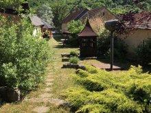 Casă de vacanță Rudolftelep, Casa de vacanță Karszt