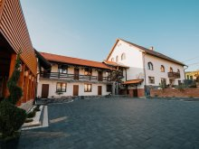 Apartament România, Pensiunea Biz