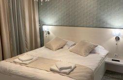 Accommodation Mamaia with Voucher de vacanță, Regnum Luxury Suites Apartments