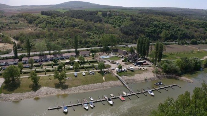 Éden Camping & Yacht Club Neszmély