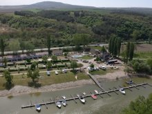 Kemping Mogyorósbánya, Éden Camping és Yacht Club