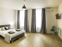 Szállás Felek (Avrig), Quarisma Apartman